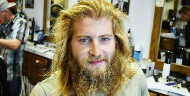 Han havde ikke gjort noget ud af sig selv i evigheder, men et frisør besøg skulle vise sig at give ham en helt utrolig forvandling.