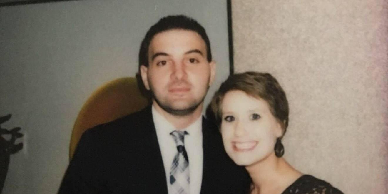 Hans elskede kone døde af kræft: blot en uge senere, opdagede han et billede, han aldrig skulle have set