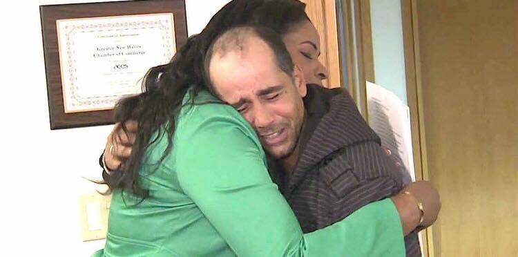 Hjemløs mand giver 62.000 kroner tilbage som han fandt - får en tak som har rørt flere tusinde mennesker
