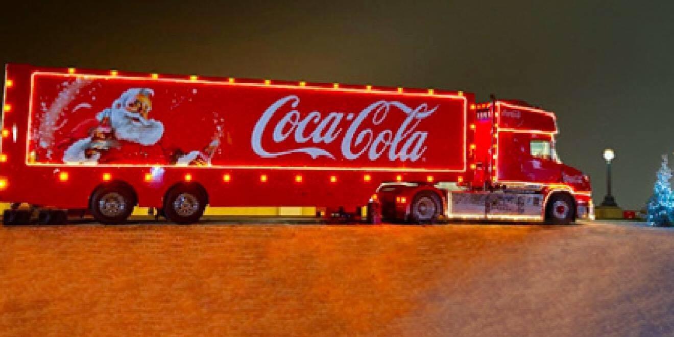 For aller første gange nogensinde: Nu kan du overnatte i den magiske julelastbil fra Coca-Cola