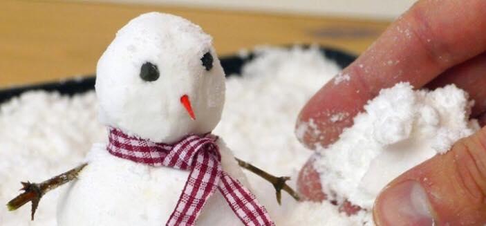 Alle børn vil elske denne kunstige sne - blot lavet af to simple ingredienser