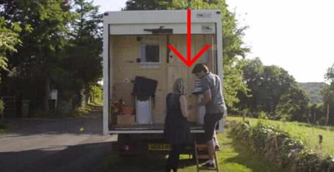 Parret solgte alt og flyttede ind i lastbil - se det unikke resultat indenfor