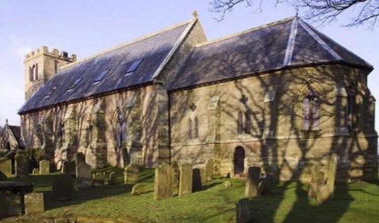 Kirke fra 1792 stod tom i 20 år - nu er det blevet forvandlet til det smukkeste hjem!