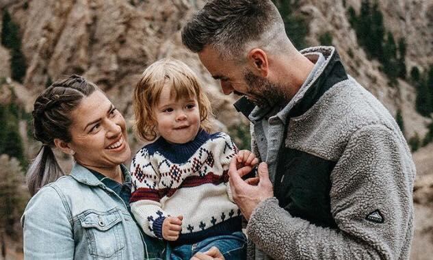 Forældrene nægter at fortælle kønnet på deres 2-årige barn - er det en dreng eller pige?