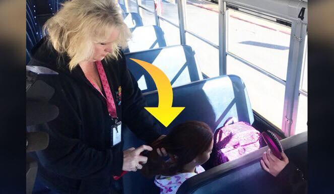 Kvindelig buschauffør sætter pigens hår hver eneste morgen efter morens død