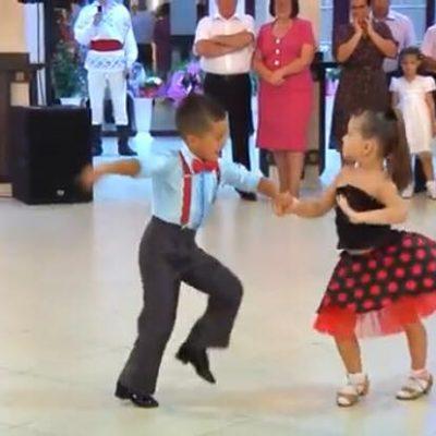 Børnene giver et helt unikt danseshow - gæsterne tror ikke deres egne øjne