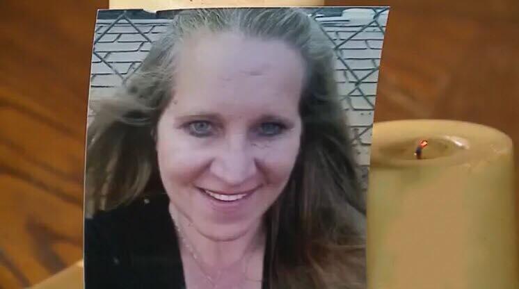 50-årig mor til fire døde af kødædende bakterie - nu vil hendes mand advarer andre