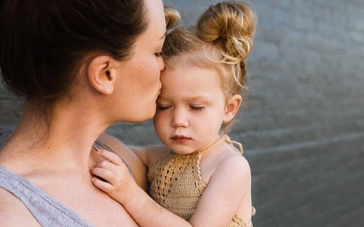 6 ting din mor gør, som beviser hun virkelig elsker og holder af dig
