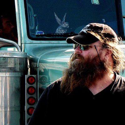 Vittighed: Lastbilchauffør drak kaffe på café, men så tog det hele en uventet drejning