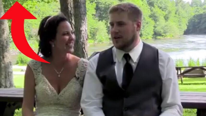 Nygift par er igang med at lave bryllupsvideo - så får de deres livs største chok!
