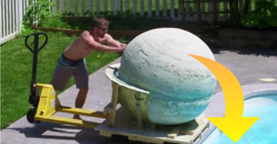 Vildt eksperiment: De lavede en 900 kilo tung badebombe - se hvad der sker når de smider den i swimmingpoolen