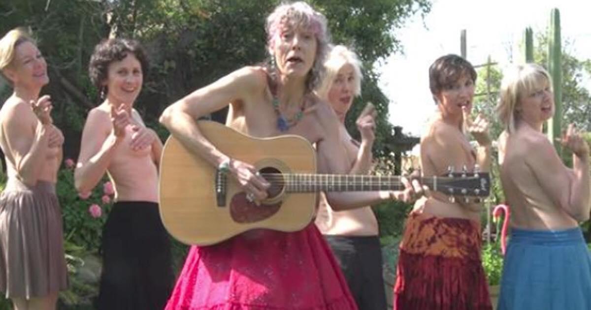 Folk jubler over musikvideo der hylder ældre kvinder - nu er den set over 16 millioner gange!