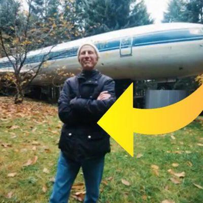 Bruce bor i et gammelt fly - ''flok synes jeg er mærkelig''
