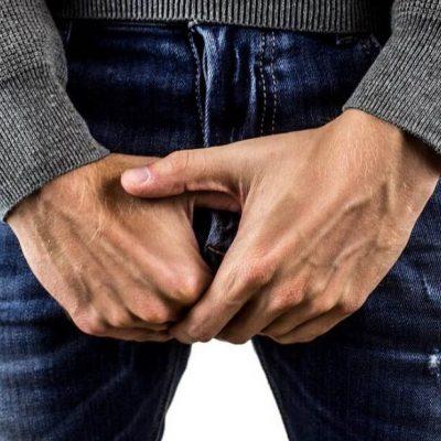 Ekspert fortæller: 4 tegn der beviser at han har et lille 'påhæng'