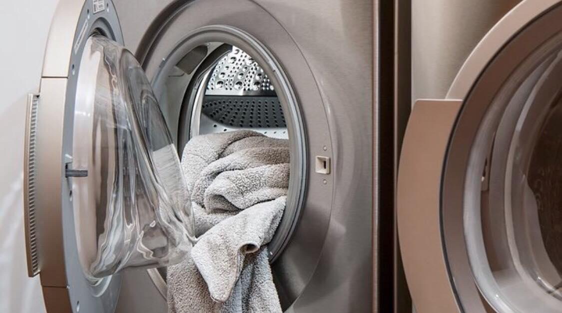 Ekspert: Sådan gør du din vaskemaskine ren med blot 1 ingrediens!