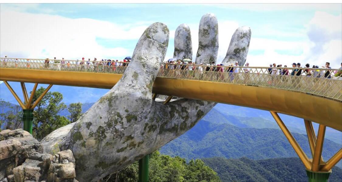Denne turistattraktion skal ses hvis man rejser til Vietnam! -''Broen der bliver holdt af hænder'' -