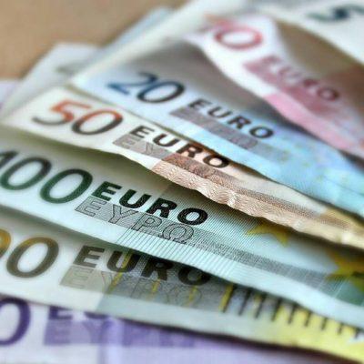 Pengeseddel forbydes nu i Danmark - er det en god idé?