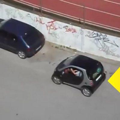 Spansk kvinde forsøger at parkerer sin Smart - Se hvordan det går i denne video